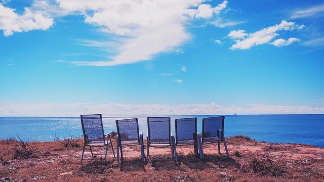 https://pixabay.com/photos/chairs-portugal-algarve-2450624/