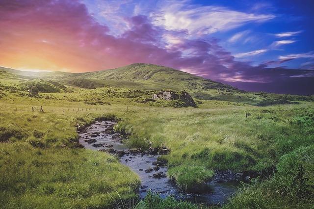 https://pixabay.com/photos/evening-twilight-ireland-landscape-1038148/