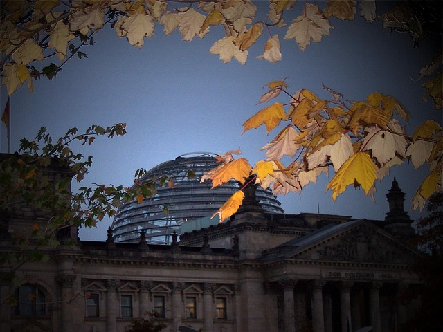 https://pixabay.com/photos/reichstag-berlin-government-264815/