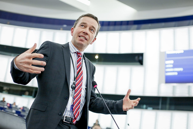 https://www.flickr.com/photos/european_parliament/38433940011/sizes/z/