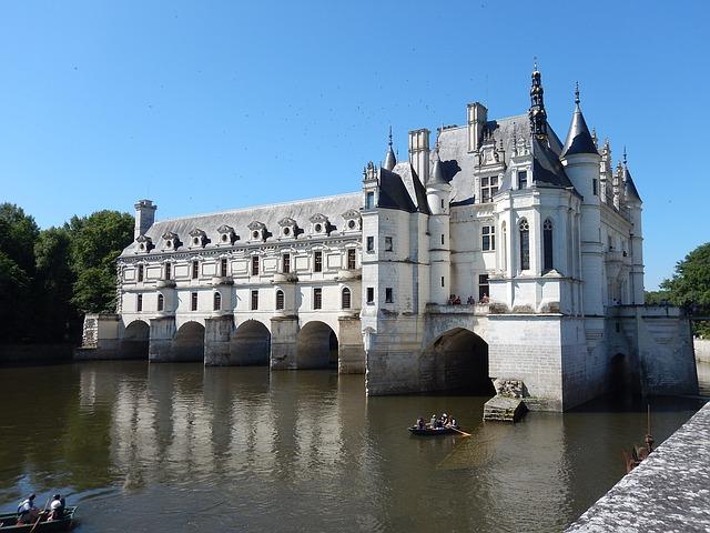 https://pixabay.com/photos/ch%C3%A2teau-de-chenonceau-chenonceau-1122159/
