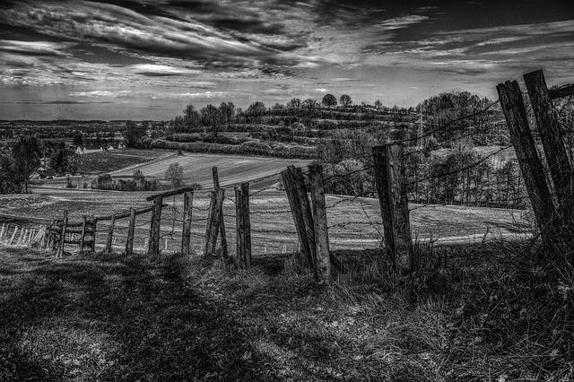 https://pixabay.com/photos/fence-landscape-away-nature-sky-2156390/