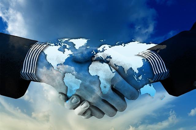 https://pixabay.com/illustrations/hands-shake-shaking-hands-1445472/