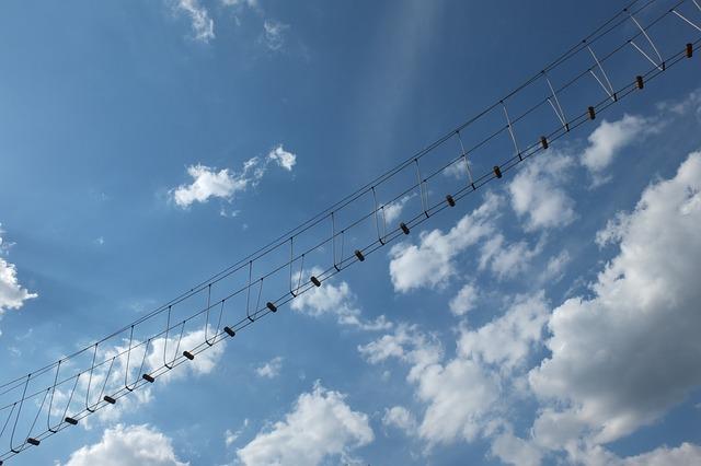 https://pixabay.com/photos/jacob-s-ladder-clouds-head-sky-230230/