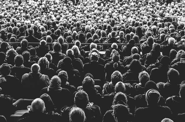 https://pixabay.com/photos/audience-crowd-people-persons-828584/