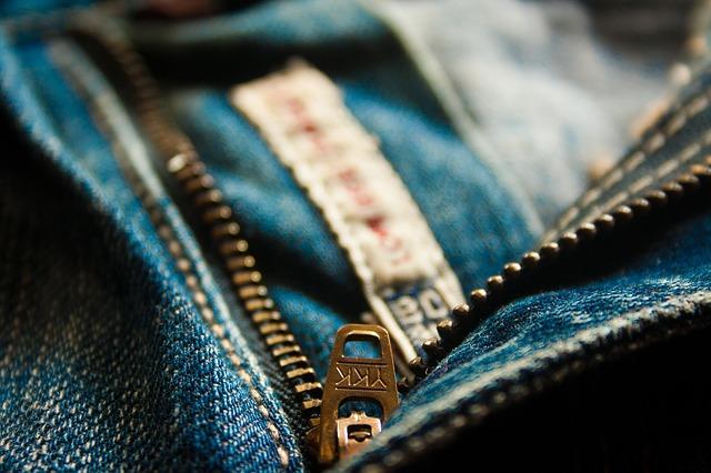 https://pixabay.com/photos/zip-zipper-fly-jeans-blue-pocket-390862/