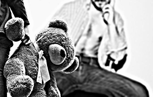 https://pixabay.com/photos/child-abuse-fear-stop-coercion-1152350/