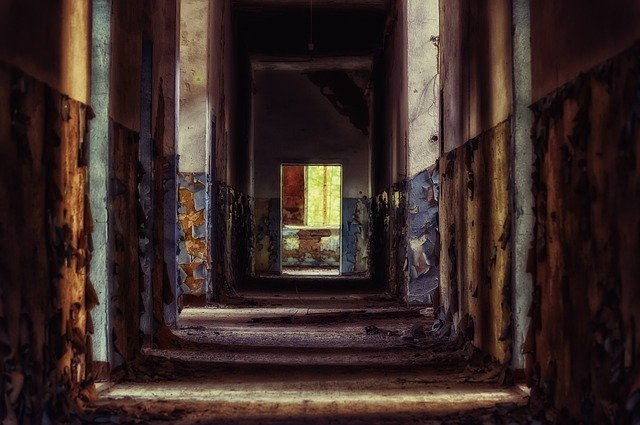 https://pixabay.com/photos/floor-dark-gloomy-gang-pforphoto-4160284/