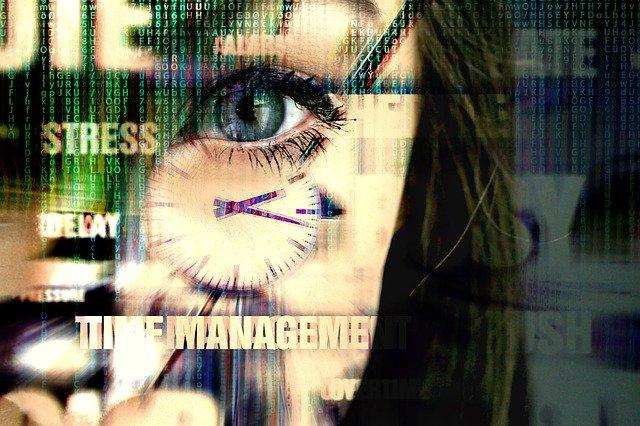 https://pixabay.com/photos/people-communication-technology-3350545/