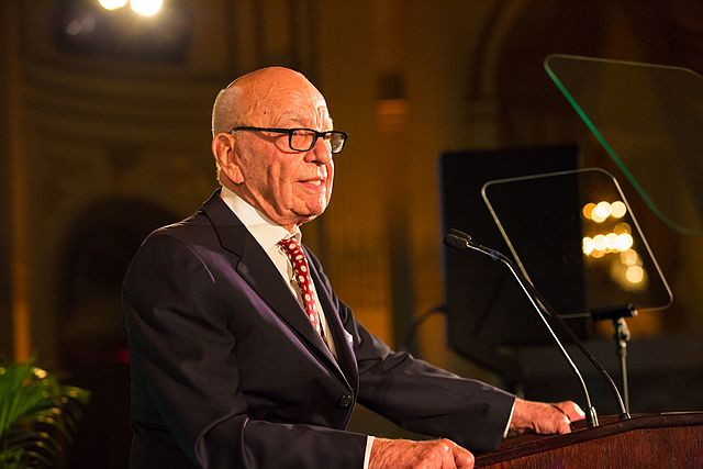 https://upload.wikimedia.org/wikipedia/commons/thumb/a/a2/Rupert_Murdoch_22962005304.jpg/640px-Rupert_Murdoch_22962005304.jpg
