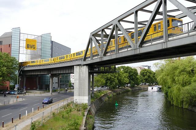 https://pixabay.com/photos/berlin-kreuzberg-ubahn-794303/