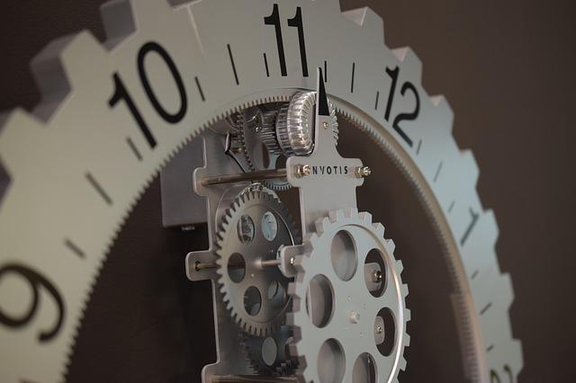 https://pixabay.com/photos/clock-movement-time-time-of-2567921/