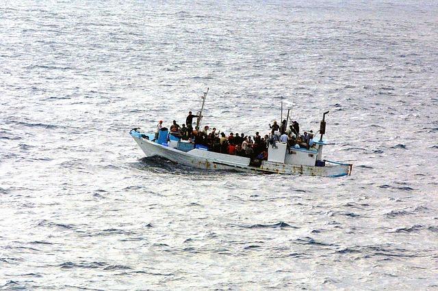 https://pixabay.com/photos/boat-water-refugee-escape-asylum-998966/