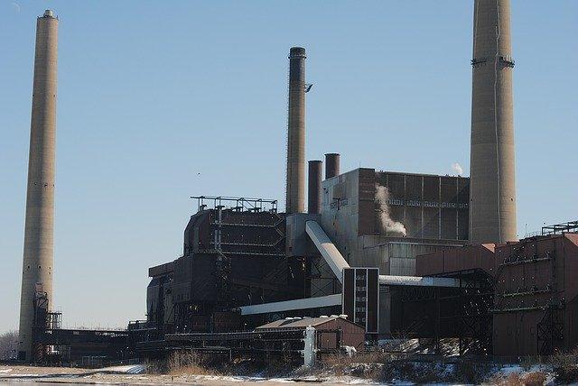 https://pixabay.com/photos/factory-industrial-industry-power-1176065/