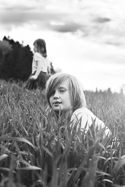 https://pixabay.com/photos/portrait-of-a-child-2323763/