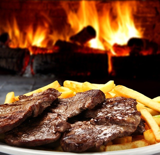 https://pixabay.com/de/photos/grill-essen-fleisch-gegrillt-grid-5002642/