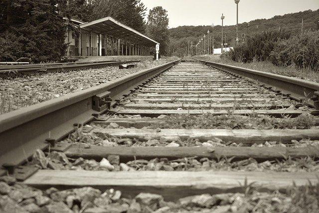 https://pixabay.com/de/photos/alten-bahnhof-station-korail-korea-2808234/