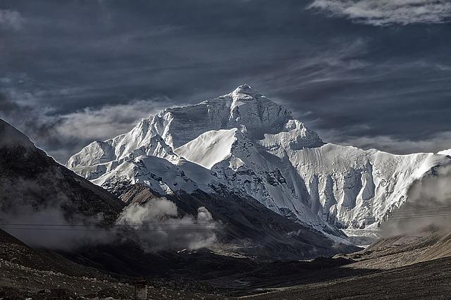 https://pixabay.com/de/photos/tibet-mount-everest-tschomolangma-4029551/