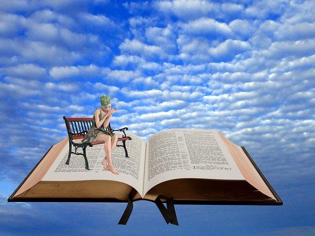 https://pixabay.com/de/photos/himmel-buch-wolken-tr%C3%A4umen-lesen-4830915/