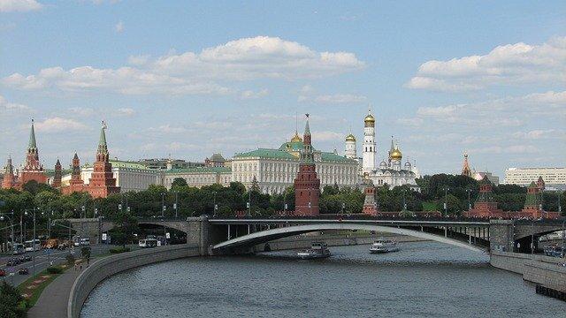 https://pixabay.com/de/photos/russland-moskau-der-kreml-panorama-2123697/