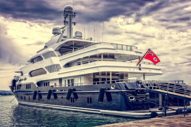 https://pixabay.com/de/photos/yacht-schiff-boot-luxus-hafen-3480913/
