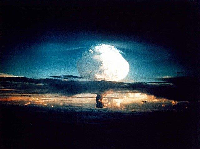 https://pixabay.com/de/photos/wasserstoffbombe-atombombe-63146/