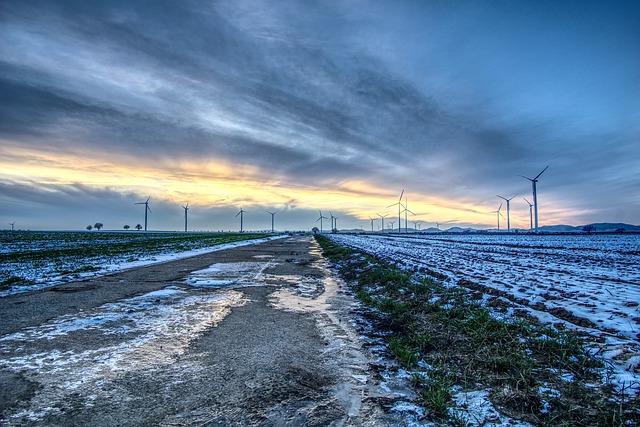https://pixabay.com/de/photos/windr%C3%A4der-windkraft-windenergie-3975727/