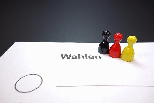 https://pixabay.com/de/photos/wahlschein-wahl-wahlen-deutschland-453807/