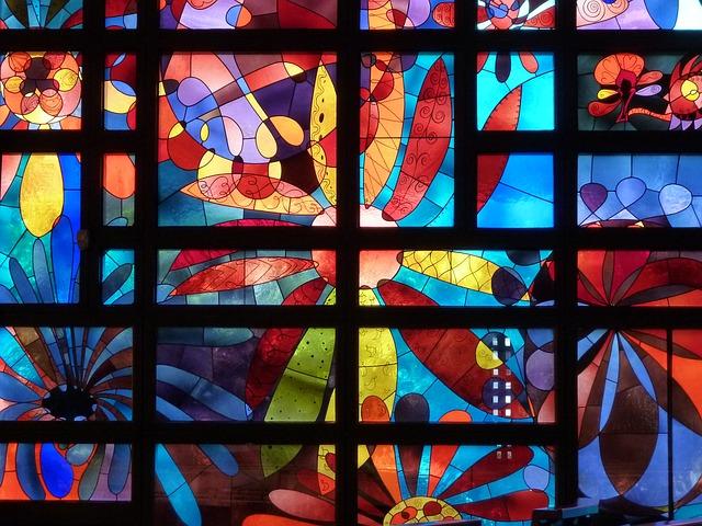 https://pixabay.com/de/photos/kirchenfenster-buntglas-1987966/