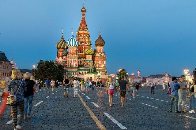 https://pixabay.com/de/photos/moskau-roter-platz-russland-1556561/