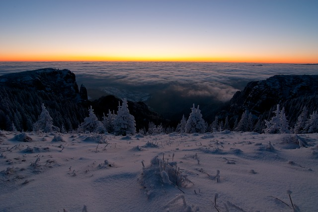 https://pixabay.com/de/photos/winter-berg-schnee-k%c3%a4lte-wei%c3%9f-655972/